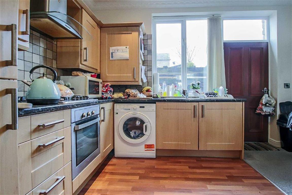 2 Bedroom Detached House For Sale - Image 7