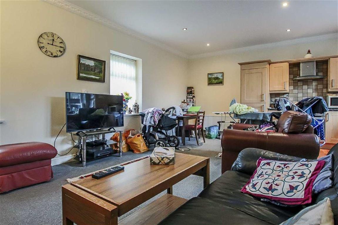 2 Bedroom Detached House For Sale - Image 6