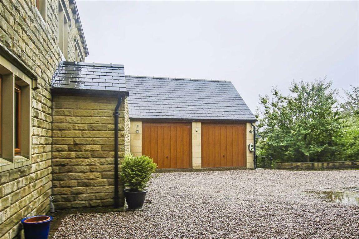 6 Bedroom Detached House For Sale - Image 9
