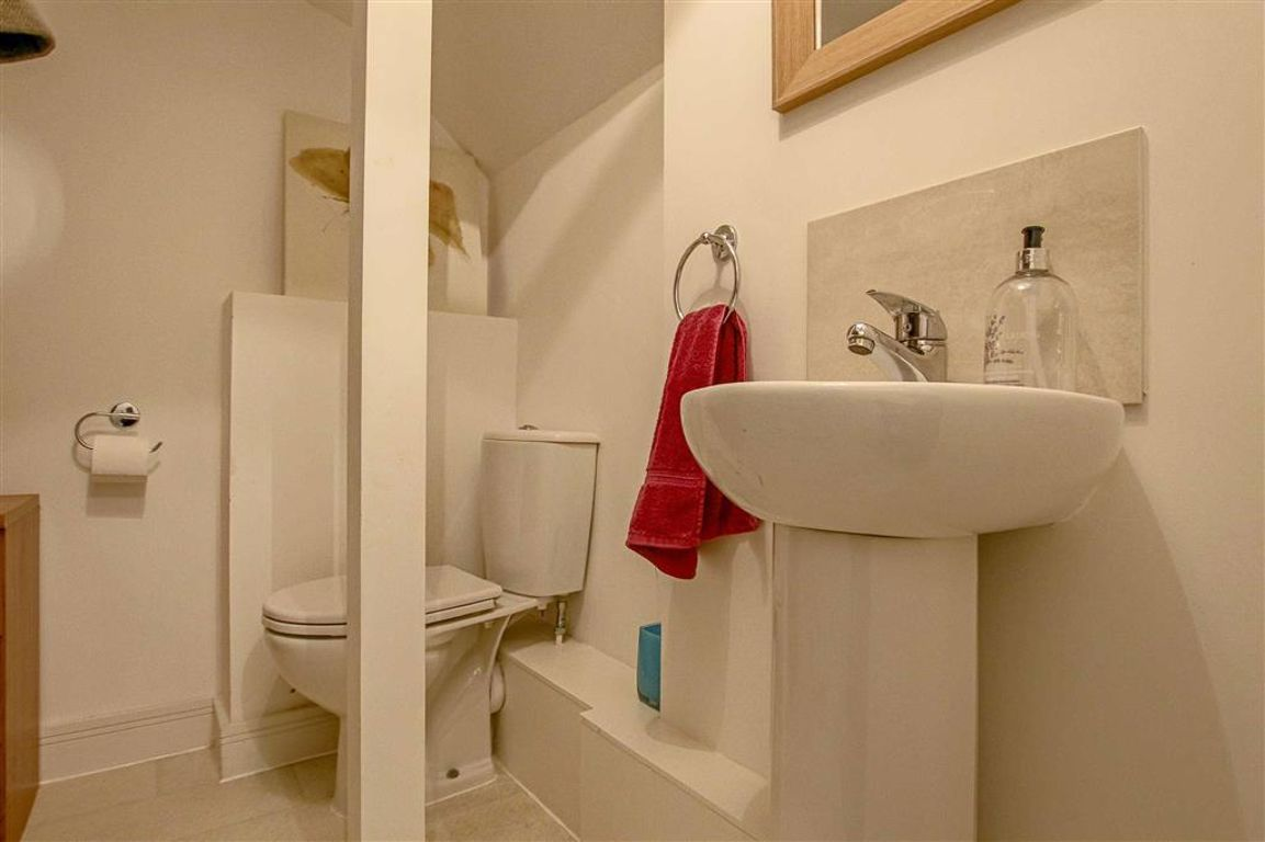 3 Bedroom End Town House House For Sale - Image 23