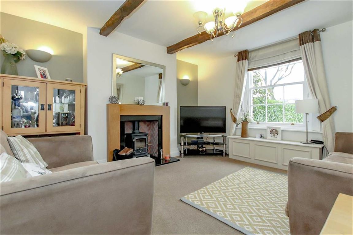 6 Bedroom Farmhouse For Sale - Image 6