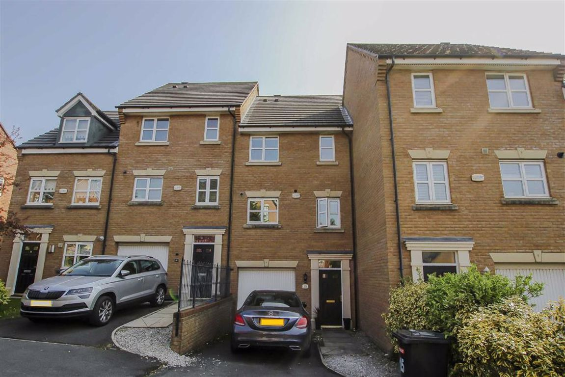 3 Bedroom Townhouse House For Sale - Image 6