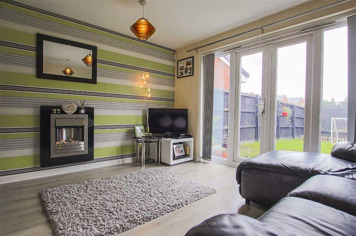 3 Bedroom Semi-detached House For Sale - Image 5
