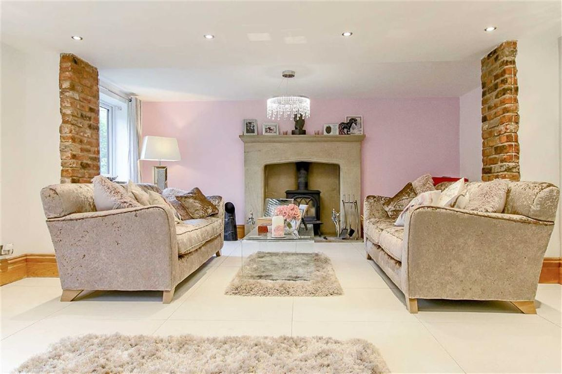 5 Bedroom Equestrian For Sale - Image 32
