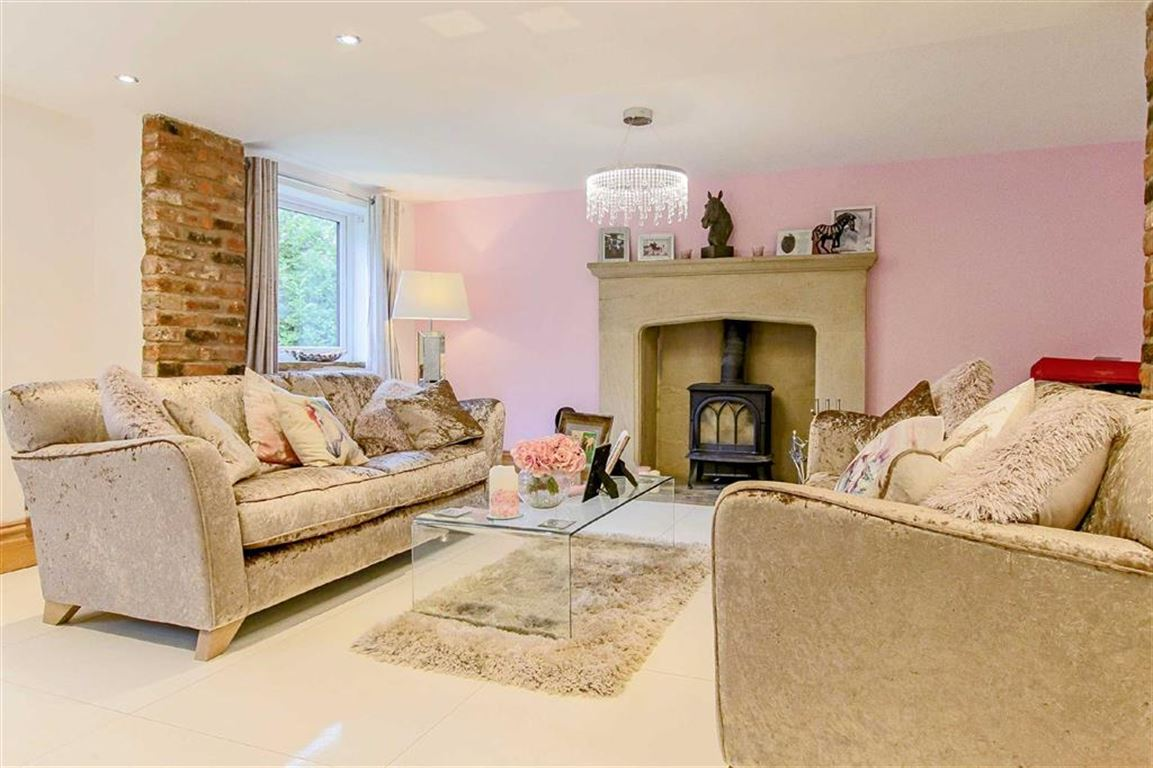 5 Bedroom Equestrian For Sale - Image 31