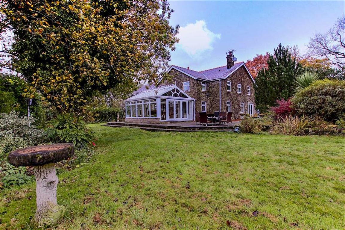 4 Bedroom Farmhouse For Sale - Main Image