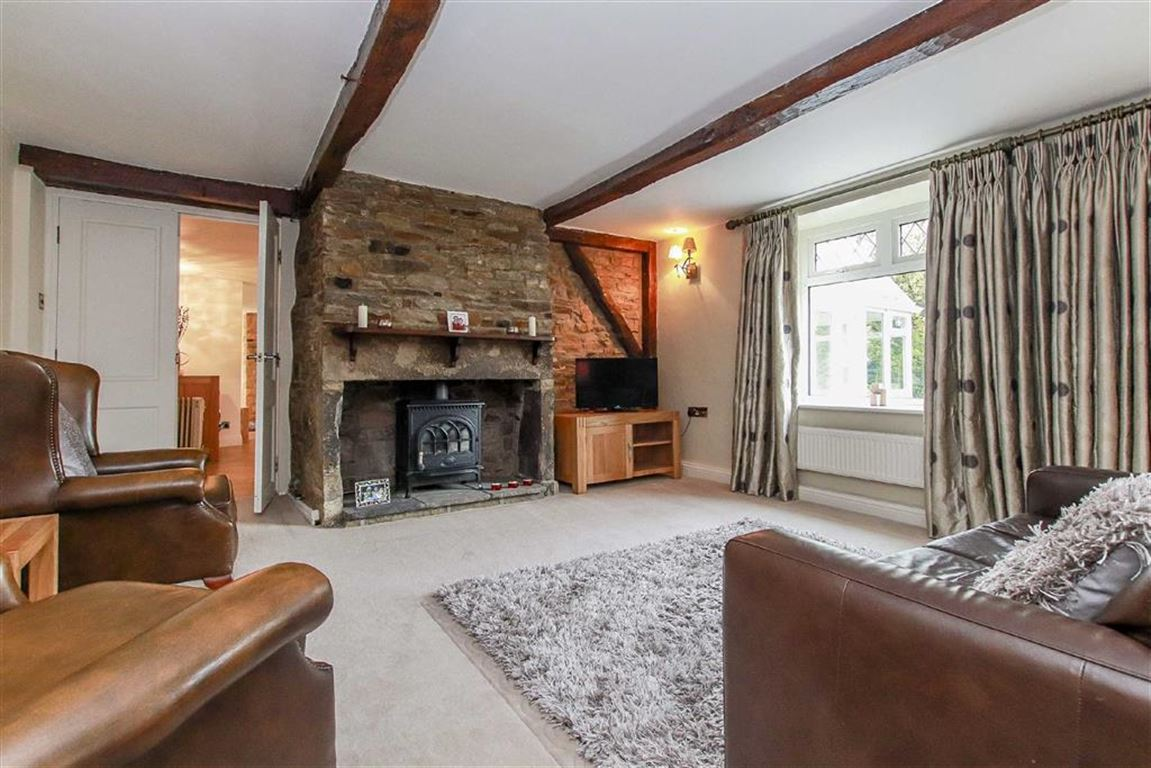 4 Bedroom Farmhouse For Sale - Image 4