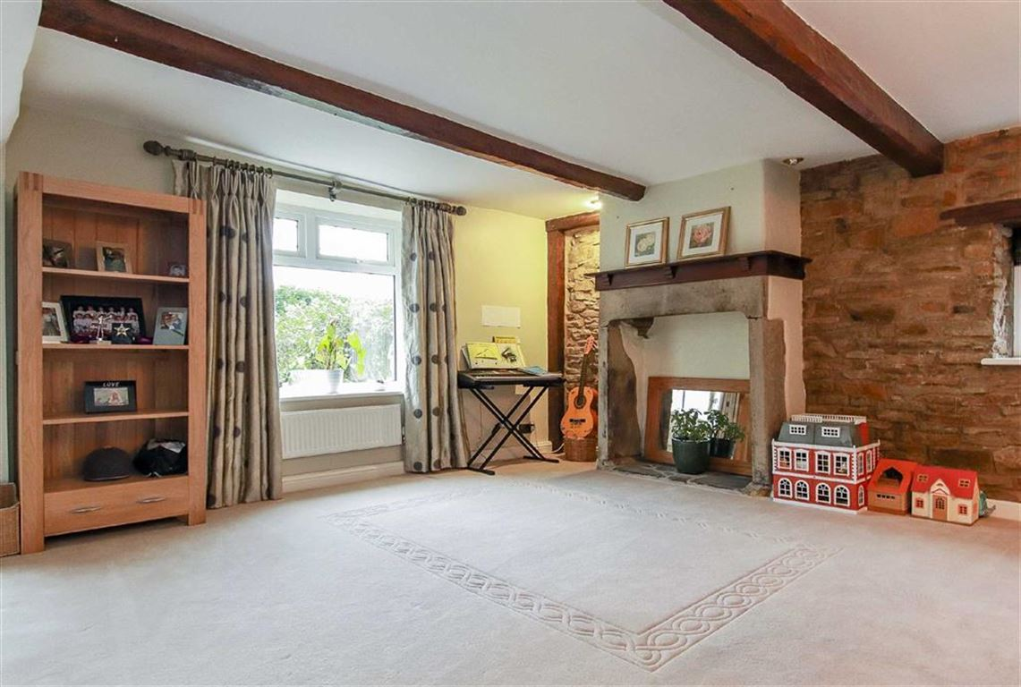 4 Bedroom Farmhouse For Sale - Image 9