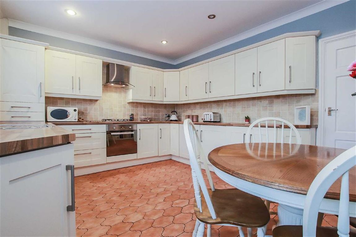 3 Bedroom Terraced House For Sale - Image 15