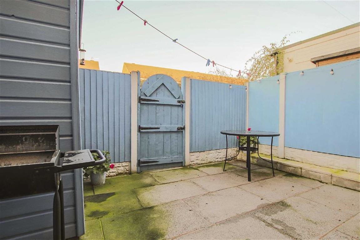 3 Bedroom Terraced House For Sale - Image 16