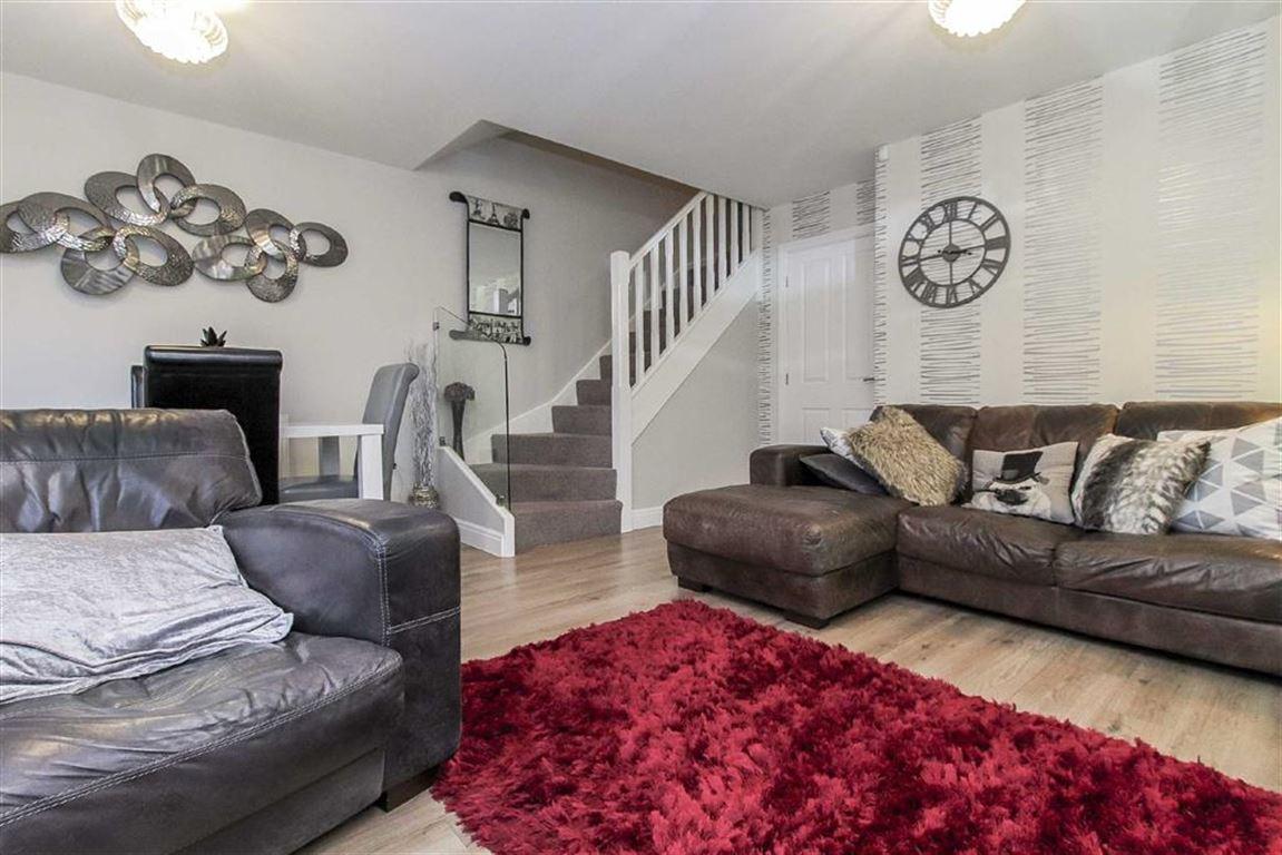 2 Bedroom Semi-detached House For Sale - Image 5