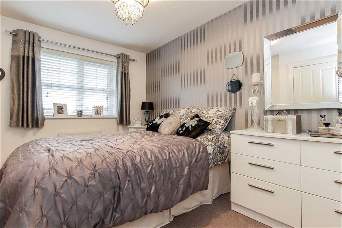 2 Bedroom Semi-detached House For Sale - Image 7