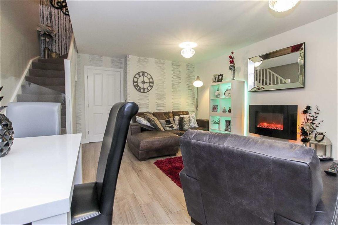 2 Bedroom Semi-detached House For Sale - Image 4