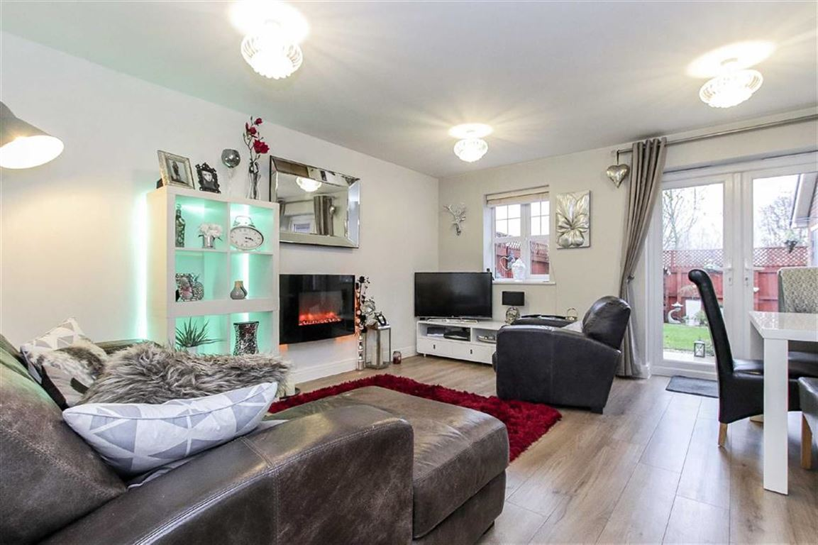 2 Bedroom Semi-detached House For Sale - Main Image