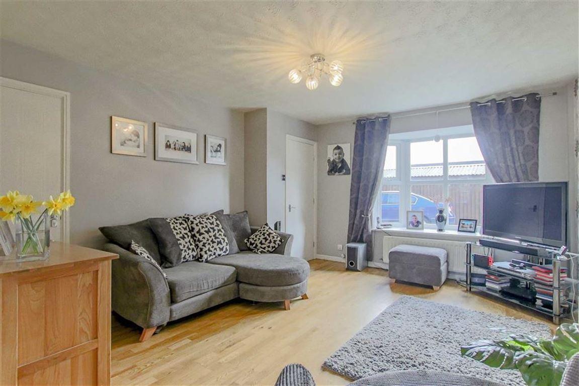3 Bedroom Semi-detached House For Sale - Image 12