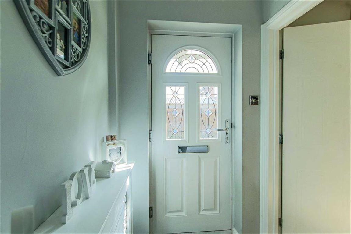 3 Bedroom Semi-detached House For Sale - Image 21