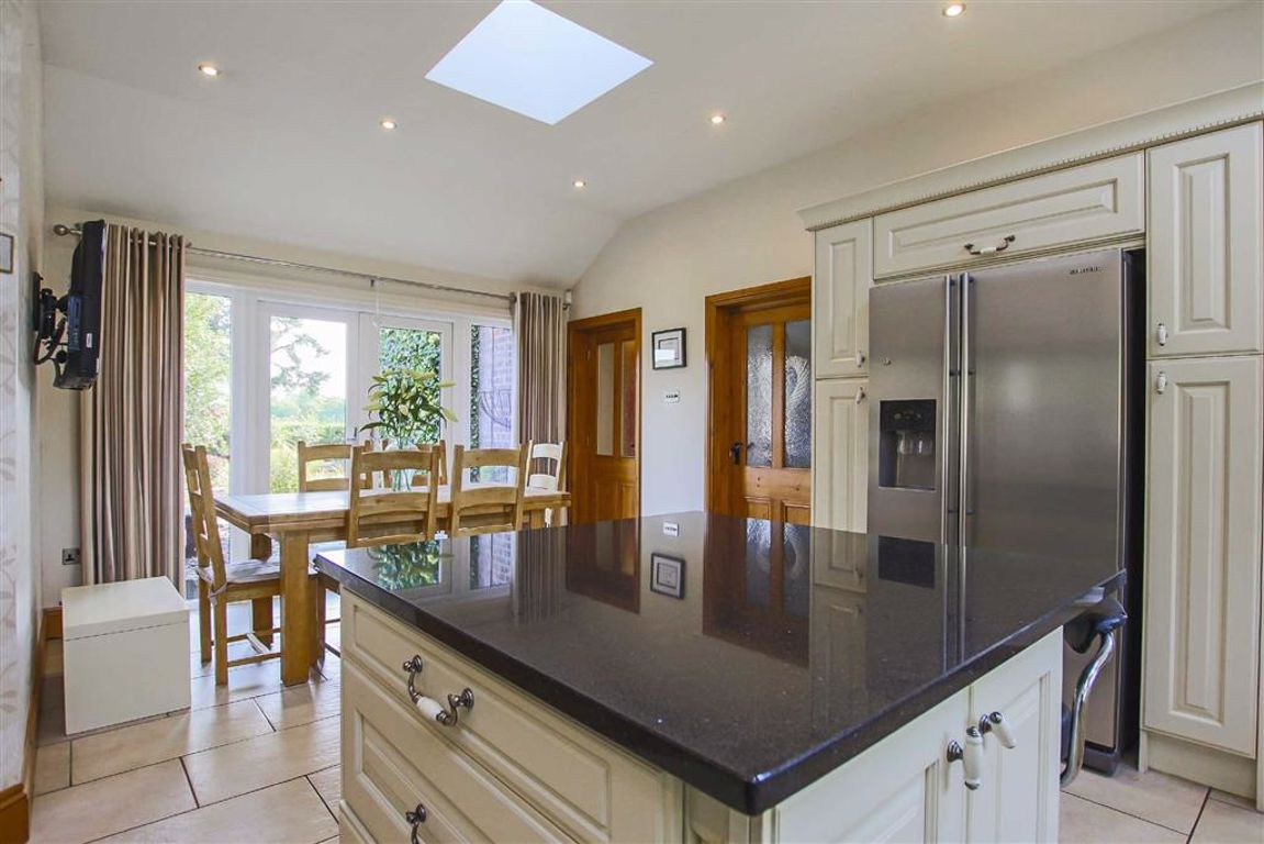 4 Bedroom Detached House For Sale - Image 25