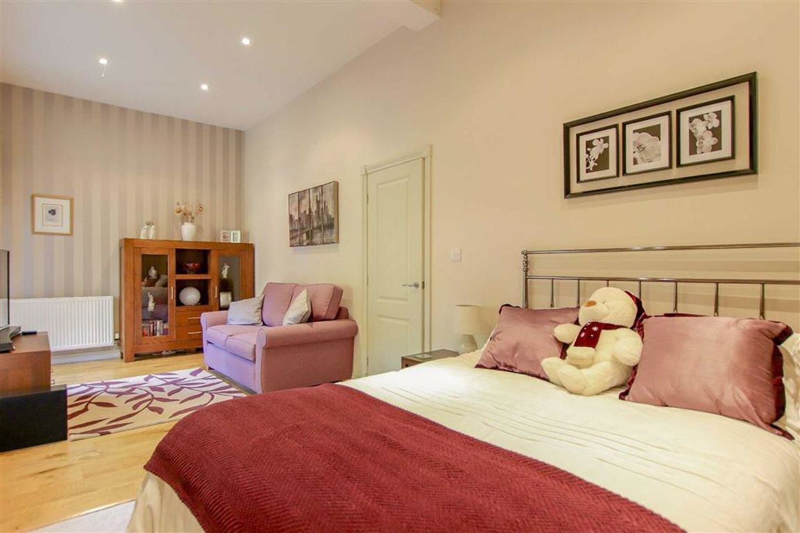 4 Bedroom Mews House For Sale - Image 10