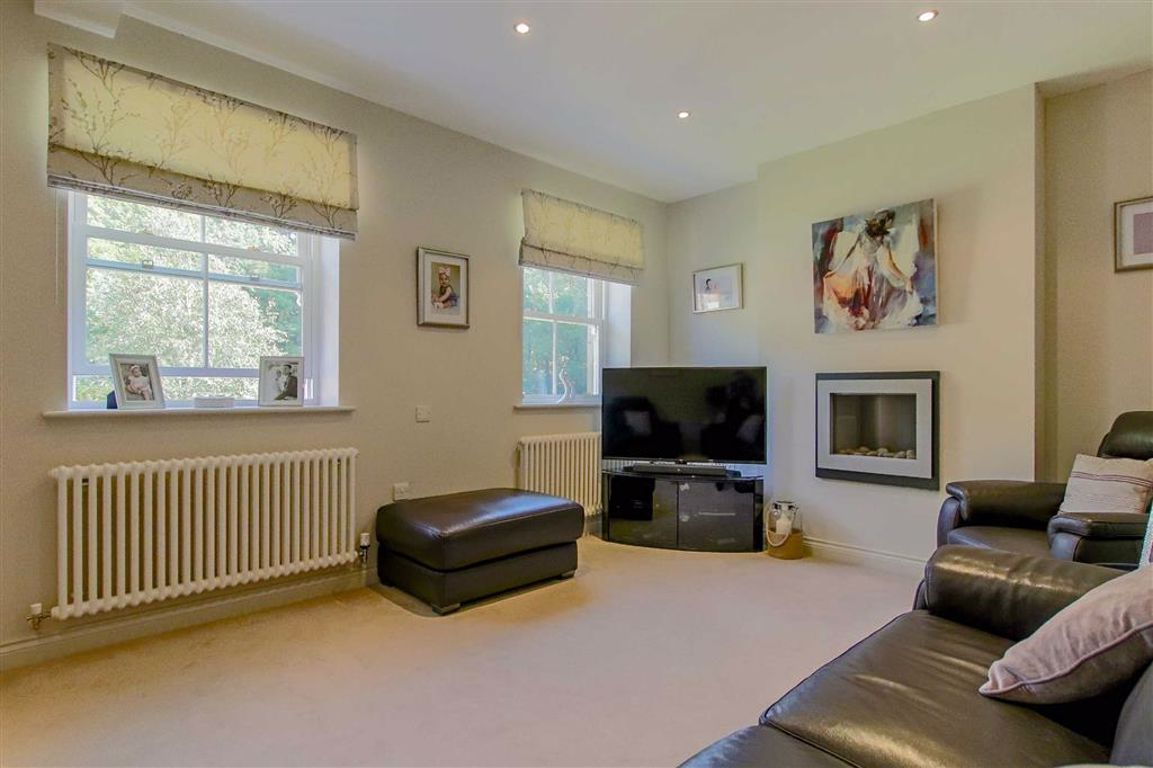 4 Bedroom Mews House For Sale - Image 4