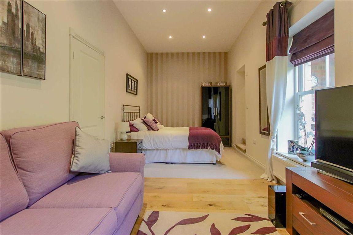 4 Bedroom Mews House For Sale - Image 31