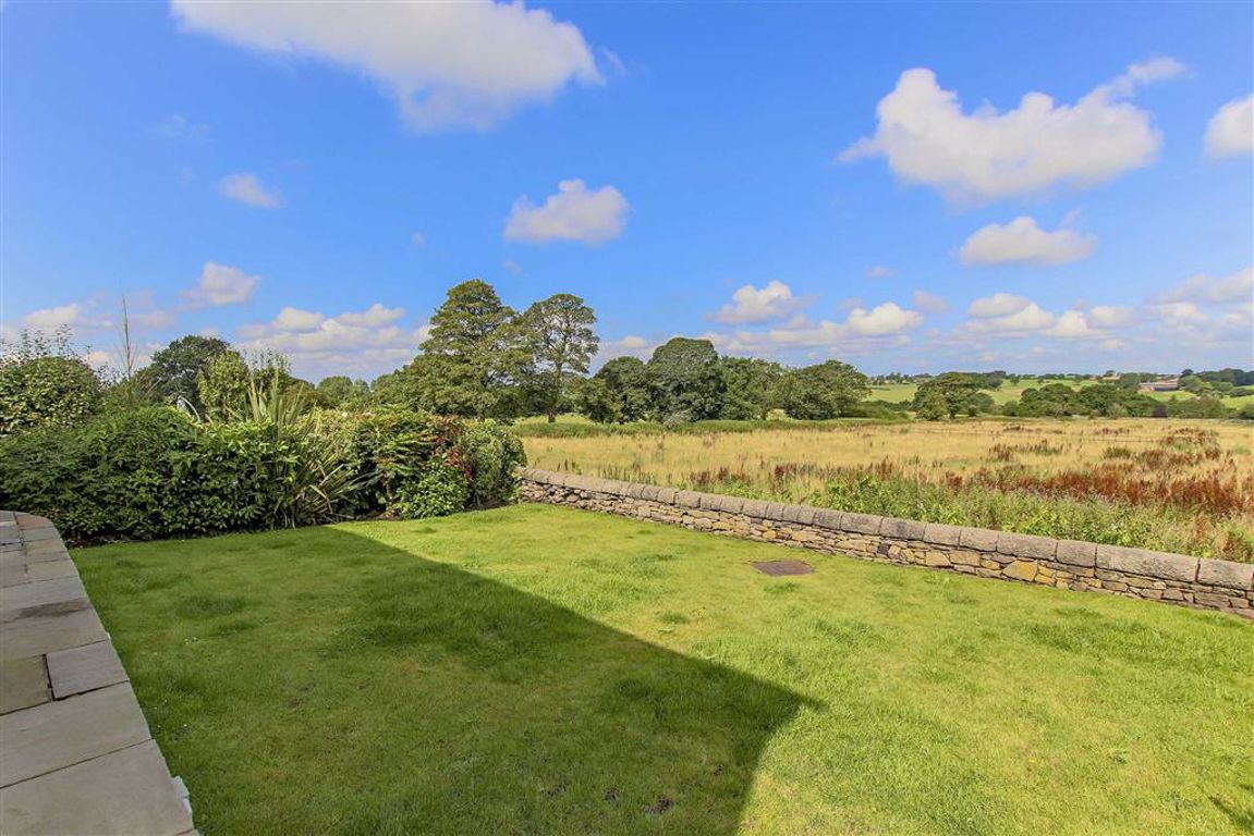 5 Bedroom Detached House For Sale - Image 10