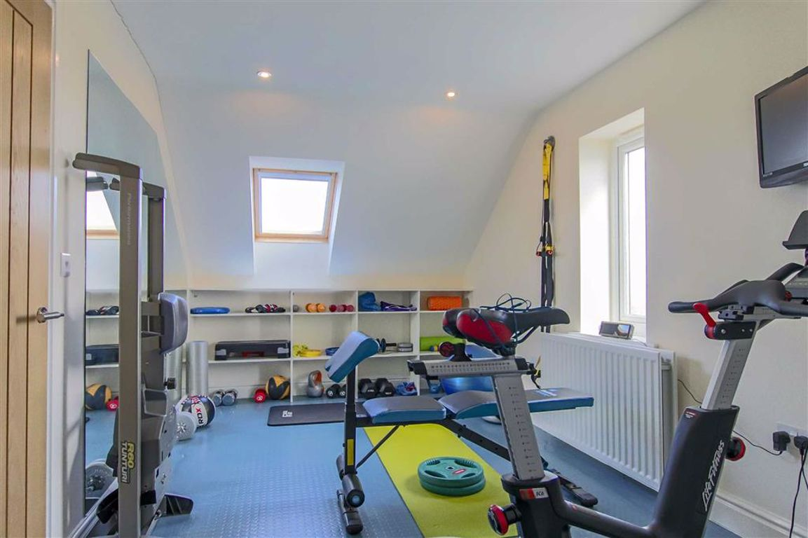 5 Bedroom Detached House For Sale - Image 4